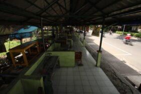 Kondisi deretan selter PKL Manahan, Solo, Minggu (26/1/2020). (Solopos/Nicolous Irawan)