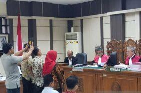 Tiga jaksa disumpah saat menjadi saksi dalam sidang dugaan suap mantan Aspidsus Kejati Jateng, di Pengadilan Tipikor Semarang, Rabu (22/1/2020).(Antara-I.C. Sanjaya)