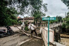 Dibangun Sejak 1987, Jembatan Rapuh di Kedawung-Masaran Sragen Nyaris Putus