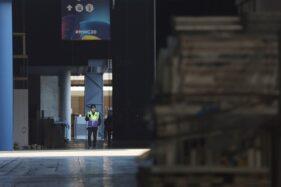Panggung MWC 2020 yang telah disiapkan batal dipakai. Barcelona, Spanyol, 13 Februari 2020. (Reuters/Nacho Doce)