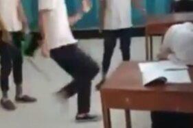 Video viral tiga siswa menendangi siswi. (Istimewa/Twitter)
