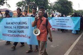 Foto viral gerakan #IndonesiaTanpaPacaran. (Istimewa/Twitter)
