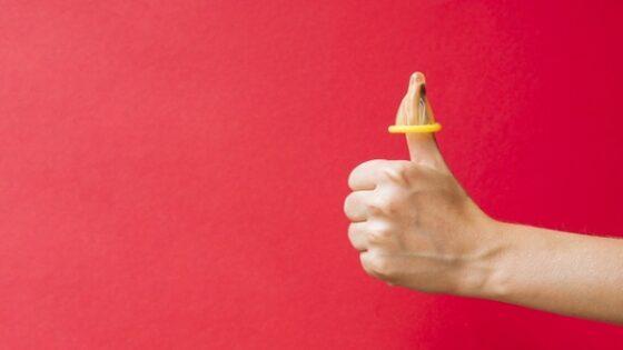Ilustrasi kondom jari. (Freepik)