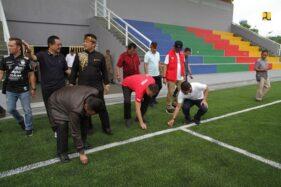 Kementrian PUPR bersama PSSI meninjau lapangan untuk Piala Dunia U-20. (Istimewa)