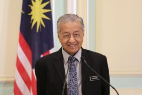 Jadi Kontroversi, Cuitan Mahathir Mohamad Dihapus Twitter