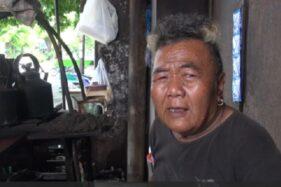 Pakde Kampret, bakul hik pikulan di Mangkunegaran Solo. (Youtube-Solopos TV)