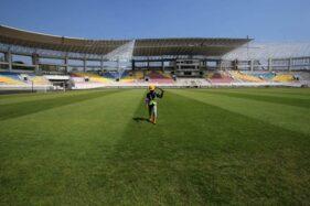 Rumput Stadion Manahan Solo. (Nicolous Irawan/Solopos)