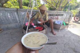 Seporsi dawet pikul racikan Dasno, warga Dibal, Ngemplak, Boyolali. (Solopos/Bayu Jatmiko Adi)