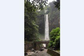 Aliran air terjun Grojogan Sewu di Tawangmangu Karanganyar, Kamis (20/2/2020). (Istimewa)
