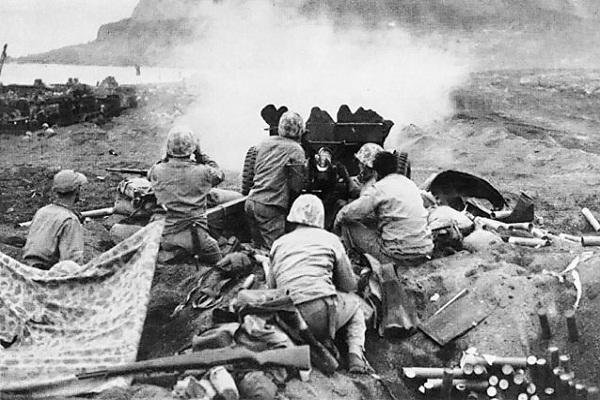 Pasukan AS dalam Pertempuran Iwo Jima. (Wikipedia.org)