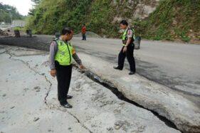 Hujan Deras, Jalan Ponorogo-Pacitan Ambles