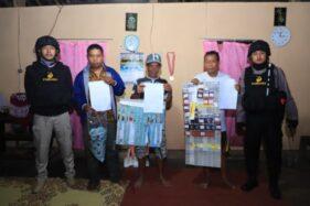 Tim Pandawa Polres Sukoharjo menggerebek praktik perjudian di wilayah Ngreco, Weru, Sukoharjo, Sabtu (15/2/2020) malam. (Istimewa/Polres Sukoharjo)