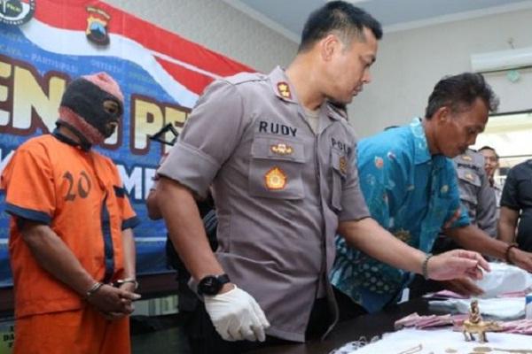 Ngaku Bisa Ambil Emas Warisan Bung Karno, Pedagang Batagor Ditangkap