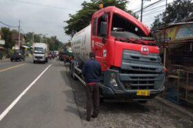 Truk BBM Pertamina Gasak Tronton di Penggung Boyolali, Sopirnya Ngantuk...