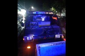 Mobil Mitsubishi L 300 AD 1942 ZN yang dikendarai warga Tanon, Sragen, Rahmadi, 34, diamankan seusai menabrak pejalan kaki, Kaswadi, 59, di Jl. Solo-Tawangmangu, Karanganyar, Senin (17/2/2020). (Istimewa/Satlantas Polres Karanganyar)