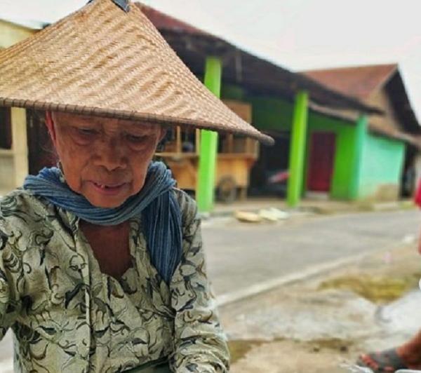 Tengkleng Gendong Mbah As Sukoharjo Ngangeni, Harga Mulai Rp5.000