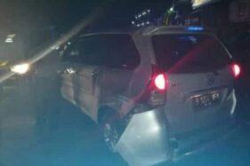 Mobil pencuri yang dikejar polisi hingga berujung insiden peluru nyasar di Masaran, Sragen, Selasa (25/2/2020) malam. (Istimewa/Facebook Info Cegatan Wong Sragen)