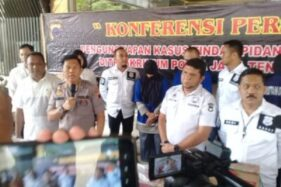 Kabidhumas Polda Jateng, Kombes Pol. Iskandar F. Sutisna, saat menggelar jumpa pers di Mapolda Jateng, Senin (24/2/2020). (Semarangpos.com-Imam Yuda S.)