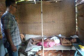 Kondisi Sugeng Sutopo yang mengalami kelumpuhan dan tinggal di gubuk reot sendirian di Keluraham Nambangan lor, Kecamatan Manguharjo, Kota Madiun, Senin (17/2/2020).