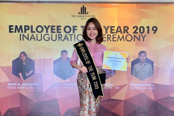 Rasya Mahendradata Ardannary, Social Media and Customer Engagement Specialiast, karyawan terbaik The Sunan Hotel Solo 2019.(Istimewa/The Sunan Hotel Solo)