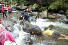 Kegiatan outbound di Sungai Sempor, Turi, Sleman. (dukuhsempor.wordpress.com)