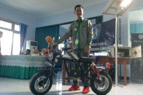 Mahasiswa Universitas PGRI Madiun Sukses Bikin Sepeda Motor Listrik