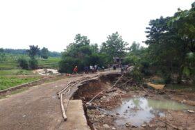 Sungai Meluap Banjiri 2 Desa di Karanganyar, Talut dan Jalan Ambrol