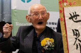Pria Tertua di Dunia Ungkap Rahasia Panjang Umurnya: Tersenyum & Jangan Cepat Marah!
