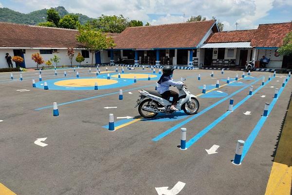 Tempat ujian praktik SIM C di Satlantas Wonogiri. (Solopos/Rudi Hartono)