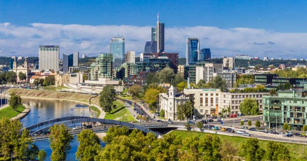 Ilustrasi salah satu kota di Lithuania yang penduduknya berkurang saat jumlah penduduk dunia bertambah