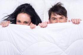 Usia Pernikahan Pengaruhi Intensitas Hubungan Intim Suami Istri?