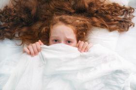 Bisa Bikin Agresif, Ini Dampak Buruk Film Horor Bagi Anak