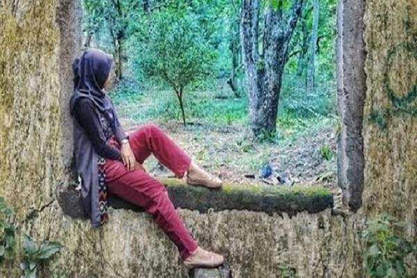 Salah satu spot foto favorit di Hutan Tinjomoyo, Kecamatan Banyumanik, Kota Semarang, Jawa Tengah. (Instagram—wisatatinjomoyo)