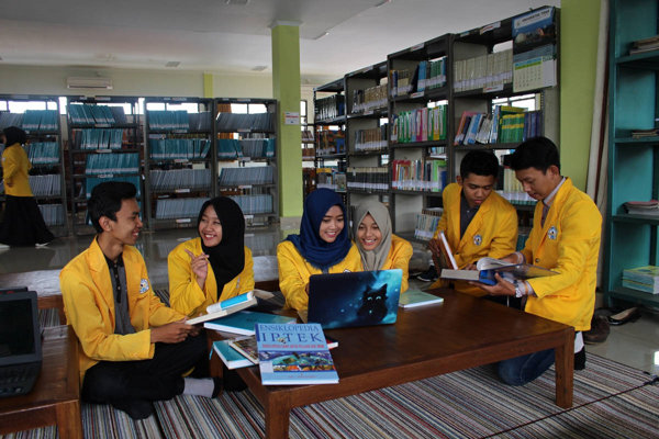 Ilustrasi universitas negeri termurah di Indonesia (untidar.ac.id)
