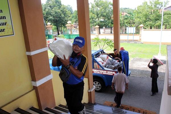 86 Paket Sembako untuk ODP & PDP di Sragen Didistribusikan