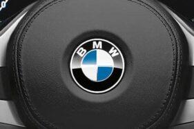 Logo BMW sebelum berganti dengan yang baru. (Istimewa)