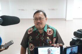 Direktur RSUD dr. Soedono Madiun, Bangun Trapsila Purwaka, saat memberikan keterangan kepada wartawan terkait kondisi pasien terjangkit corona yang dirawat di rumah sakit itu, Kamis (26/3/2020). (Abdul Jalil/Madiunpos.com)