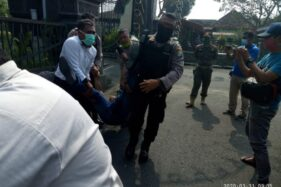 Adang Dan Gebrak Mobil Bupati Tulungagung, Wartawan Soerabaia Newsweek Dicokok Polisi