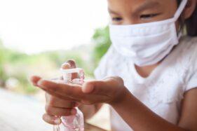 Jangan Asal! Pakar UNS Ungkap Bahaya Hand Sanitizer Oplosan