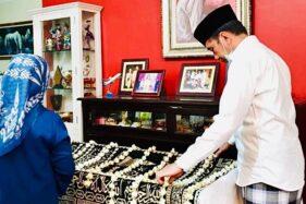 Wasiat Ibu Jokowi: Jangan Lupa Wakaf ke Masjid!