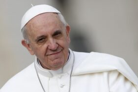 Kabar Paus Fransiskus Terinfeksi Corona Dipastikan Hoaks, Cek Faktanya!