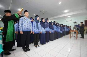 Para CPNS Pemkot Madiun perekrutan 2018 diambil sumpah janjinya di Gedung Diklat Kota Madiun, Senin (2/3/2020). (Istimewa-Pemkot Madiun)