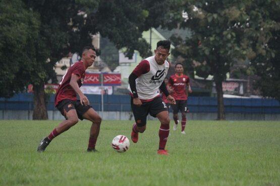 Para pemain Persis Solo menjalani latihan. (Istimewa/Official Persis Solo)