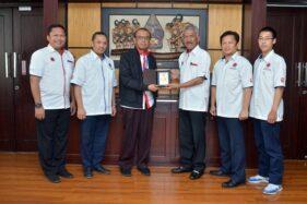 Perwakilan Hapkido Indonesia bersama Sesmenpora, Gatot s Dewa Broto. (Istimewa)