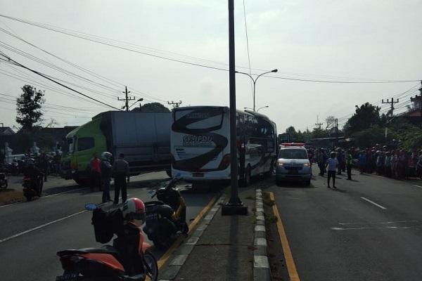 Bus Semeru Tabrak Truk Tronton di Boyolali, 8 Orang Jadi Korban