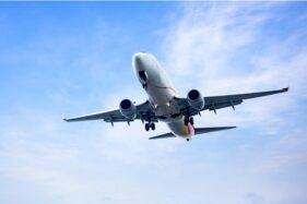 Ilustrasi pesawat (freepik.com)