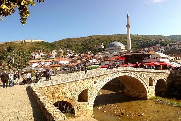 Kota Prizren yang pernah menjadi ibu kota Serbia. (Wikipedia.org)