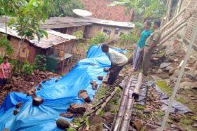 Tebing di Karangmalang Sragen Longsor, 1 Rumah Nyaris Ambrol