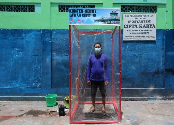 Bilik Sterilisasi Corona Bikinan Posyantek Serengan Solo Siap Diproduksi Massal