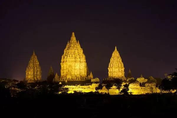 Waspada Virus Corona, 10.000 Umat Hindu Tetap Nyepi di Prambanan